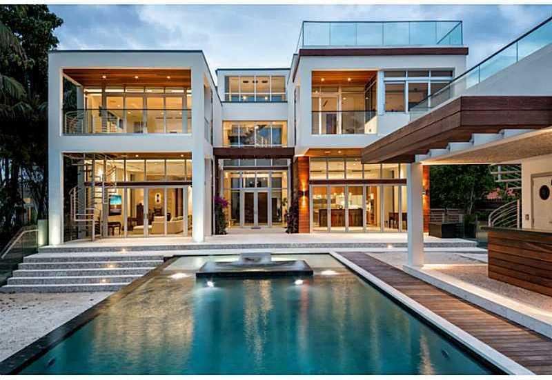 2111 Lake Av Luxury Real Estate
