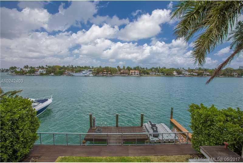 233 N Coconut Ln Luxury Real Estate