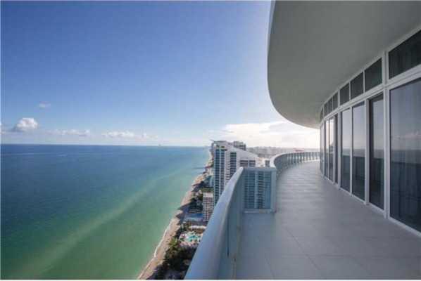 2711 S Ocean Dr #Ph2, Hollywood Florida